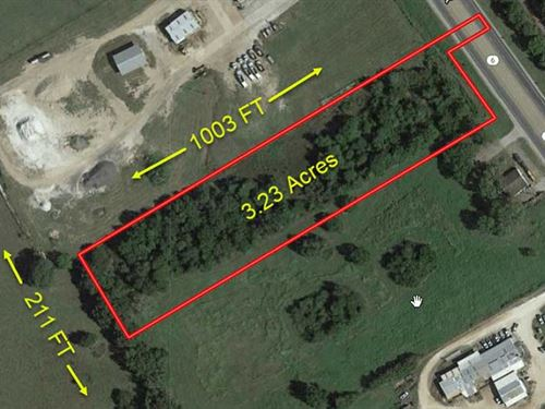 Prime Commercial Lot : Calvert : Robertson County : Texas