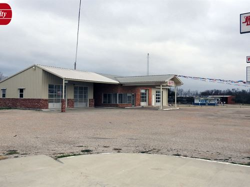 4-Bay Automotive Property For Sale : Gatesville : Coryell County : Texas