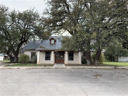 Office Building And Lot in The 600 : San Saba : Texas