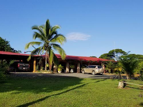 Luxury Home & Ranch Lodge Costa : Siquirres : Costa Rica