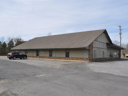 Commercial Buildings And Land : Bee Branch : Van Buren County : Arkansas