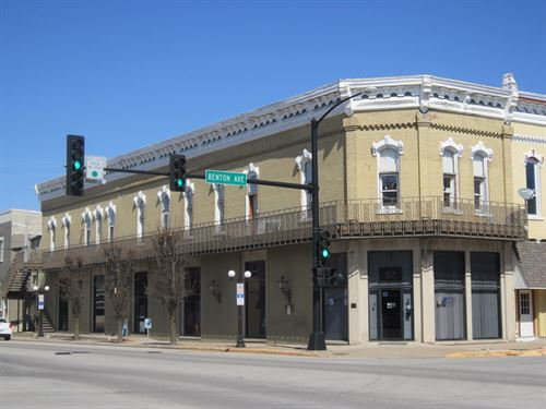 Apartment & Office Building, Albia : Albia : Monroe County : Iowa