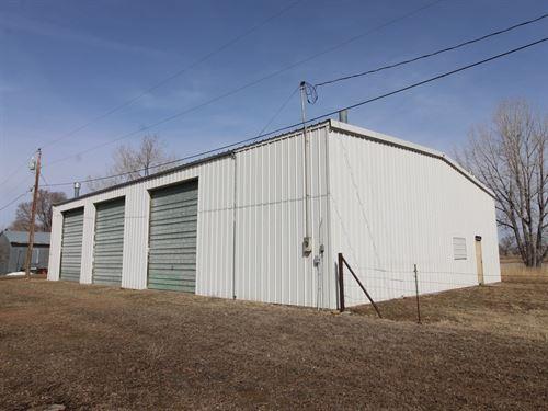 Shop Garage Acreage in Glendive MT : Glendive : Dawson County : Montana