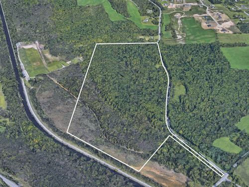Ample Road Frontage And Acres : Camillus : Onondaga County : New York