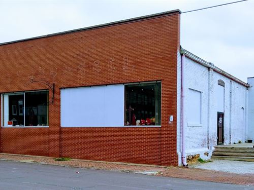 Large Commercial Building Downtown : Clinton : Henry County : Missouri
