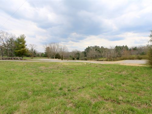 Commercial Tract With Lake : Crossville : Cumberland County : Tennessee
