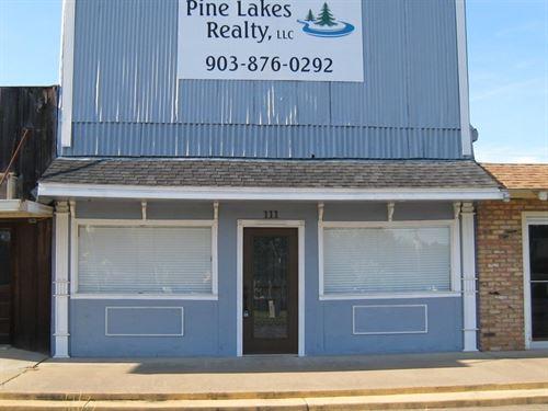 Commercial Building Frankston TX : Frankston : Anderson County : Texas