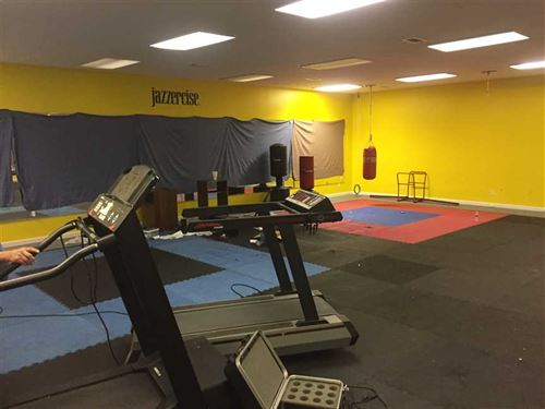Large Former Gym With Living Quart : Cabot : White County : Arkansas