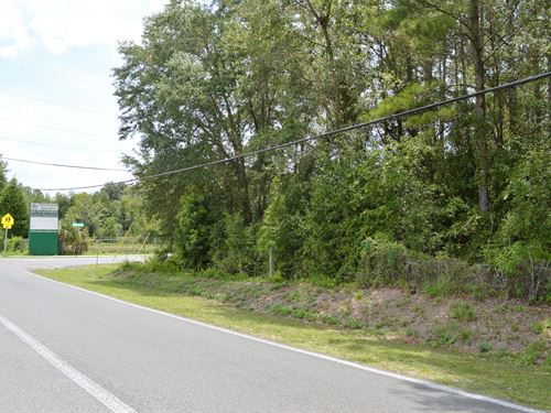 Multi-Family Property : Live Oak : Suwannee County : Florida