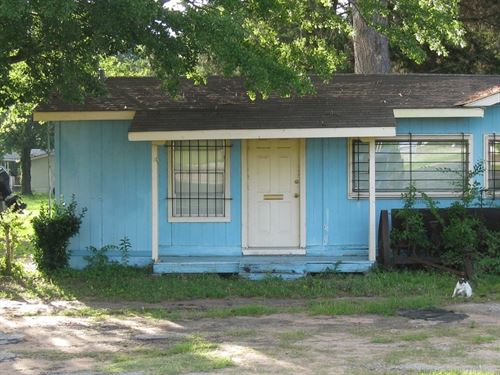 Commercial & Investment Property : Flint : Smith County : Texas