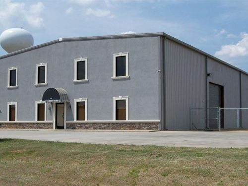 Industrial Warehouse Available : Byron : Peach County : Georgia
