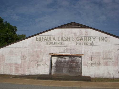 Large Warehouse Building in Downto : Eufaula : Barbour County : Alabama