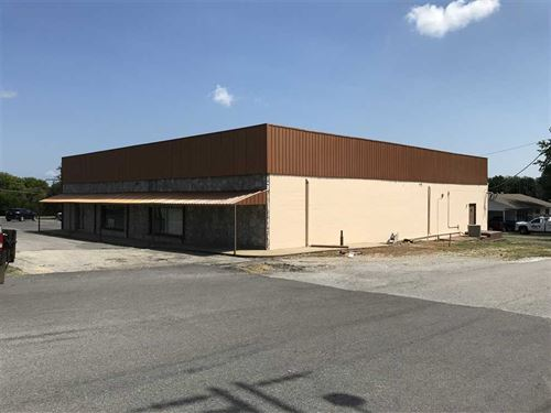 6400 Sq, Ft, Commercial Building : Cave City : Sharp County : Arkansas