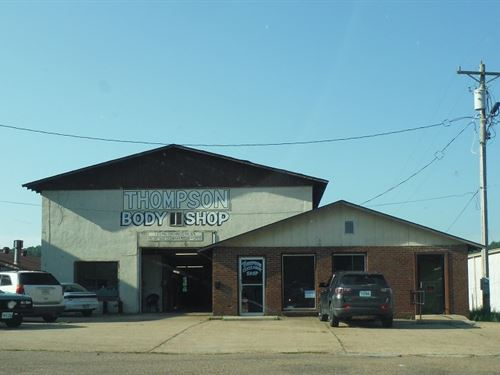 Established Body Shop In Missouri : Doniphan : Ripley County : Missouri