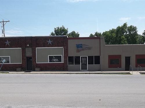 Former Restaurant Neosho County : Stark : Neosho County : Kansas