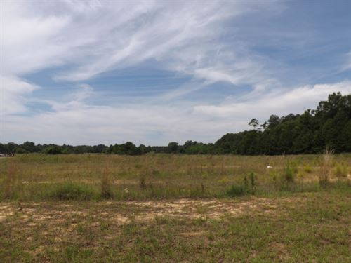 Commercial Lot 3 In Marion County : Columbia : Marion County : Mississippi