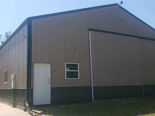 Shop, Storage, Warehouse : Chillicothe : Livingston County : Missouri
