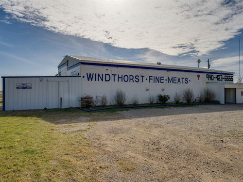 Commercial Property Windthorst : Windthorst : Archer County : Texas