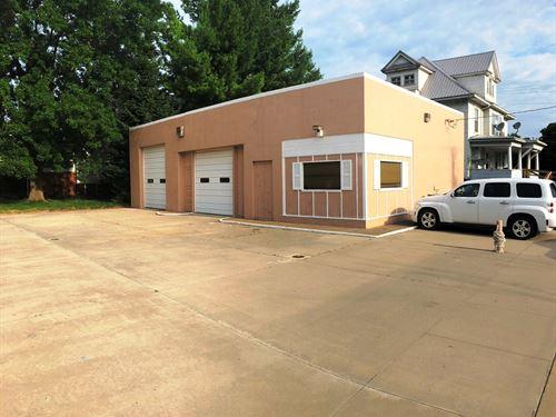 Commercial Building in Albia, IA : Albia : Monroe County : Iowa