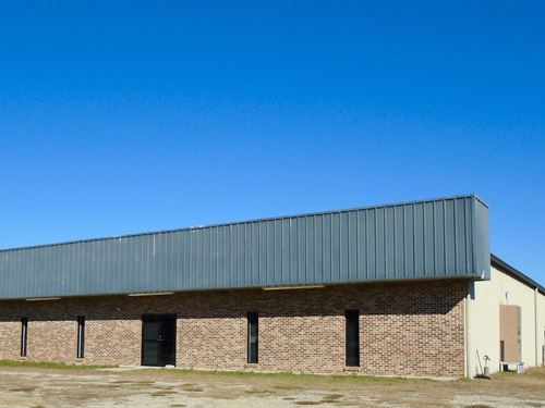 Cheraw Sc Commercial Building/Acres : Cheraw : Chesterfield County : South Carolina
