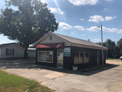 Commercial Building 1/2 Acre : Sallisaw : Sequoyah County : Oklahoma