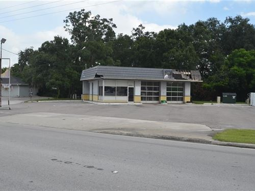 Commercial Building in Arcadia : Arcadia : Desoto County : Florida