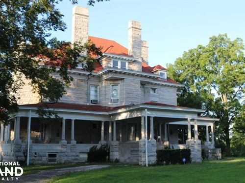 Extraordinary Country Home & Large : Carthage : Jasper County : Missouri