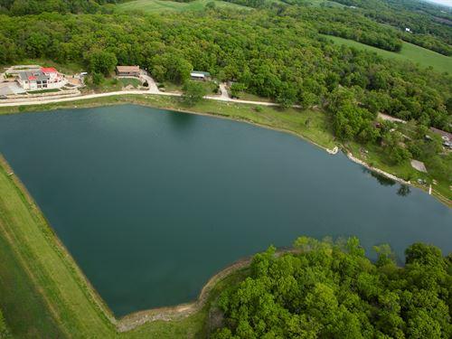 Luxury Lakeside Resort & Event : Perry : Jefferson County : Kansas