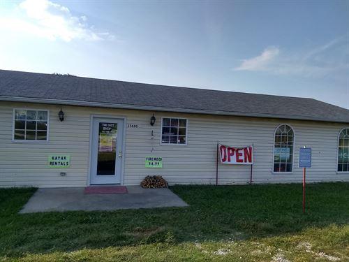Business Plus Living Apartment : Stockton : Cedar County : Missouri