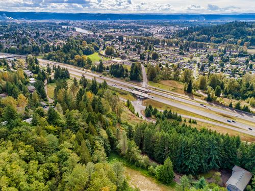 Multi Family Commercial I-5 Lot : Kelso : Cowlitz County : Washington