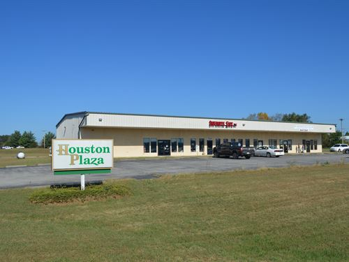 Commercial Plaza & Land in Missouri : Houston : Texas County : Missouri
