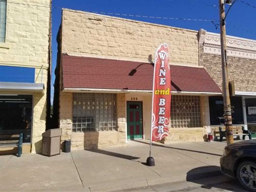 Backstreet Bakery & Bar : Lucas : Russell County : Kansas
