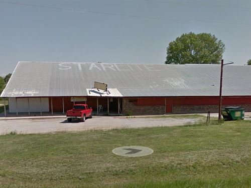 Large Commercial Bldg With Location : Mountain Grove : Wright County : Missouri