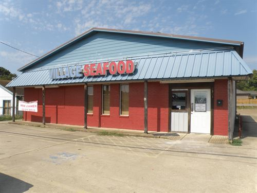 Restaurant Building Lease East : Palestine : Anderson County : Texas