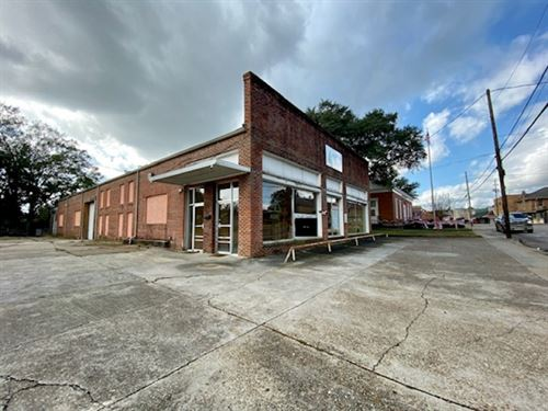 Commercial Building/.5 Acres : Tylertown : Walthall County : Mississippi