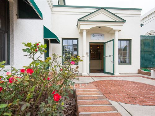 Modern Commercial Office Building : Monticello : Jefferson County : Florida