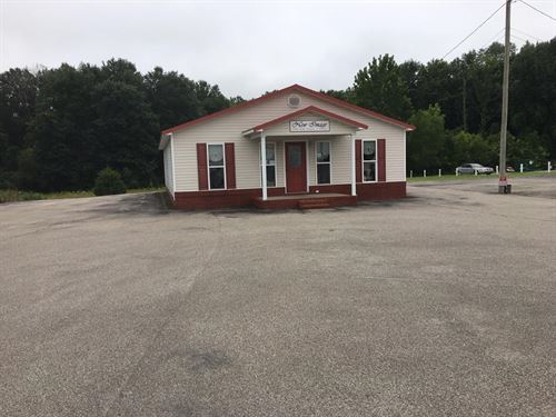 Commercial Building : Huntingdon : Carroll County : Tennessee