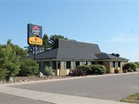 Commercial Bldg W/Lake View : Manistique : Schoolcraft County : Michigan