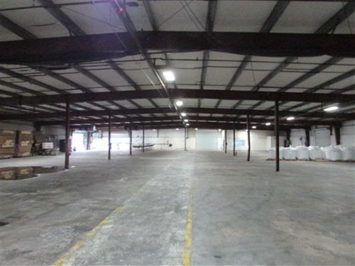 Warehouse in Doerun GA : Doerun : Colquitt County : Georgia
