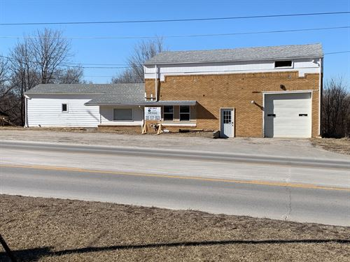 Commercial Building Busy Highway 6 : Ashland : Saunders County : Nebraska