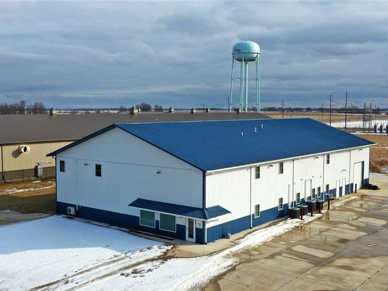 Commercial Building For Sale in Bl : Bloomfield : Davis County : Iowa