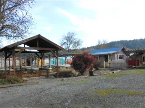 Lg Commercial And Residence Locati : Grants Pass : Josephine County : Oregon