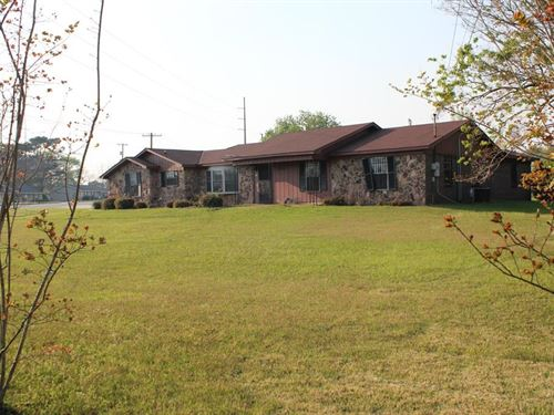 Commercial Property in Dothan, AL : Dothan : Houston County : Alabama