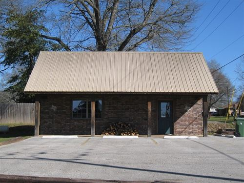 Commercial Building Frankston TX : Frankston : Anderson County : Texas