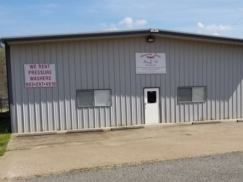 Office/Shop Building/East : Longview : Gregg County : Texas