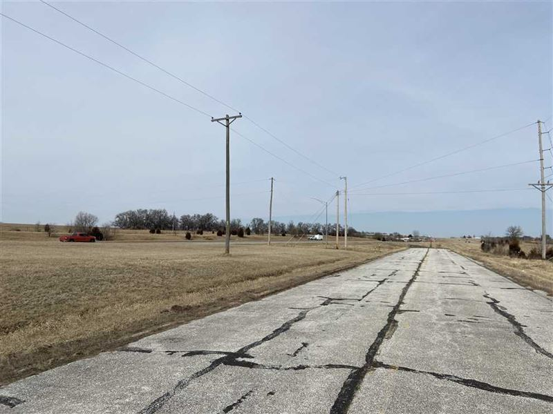 Awesome Commercial Potential Views : Cole Camp : Benton County : Missouri