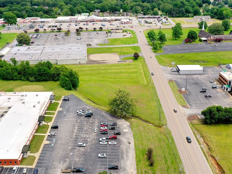 Prime Commercial Lot Heart Town : Milan : Gibson County : Tennessee