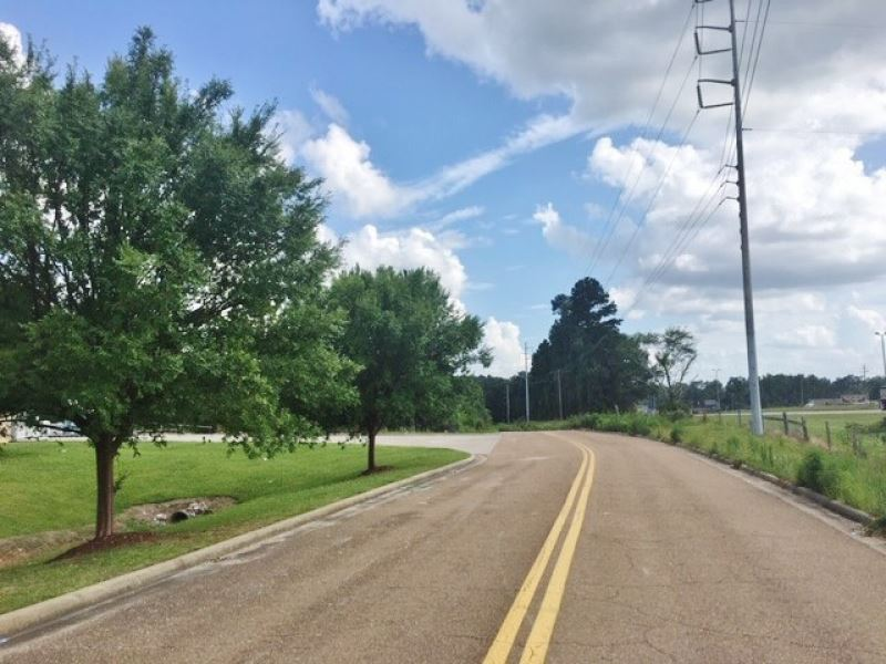 16.92 Acres-Commercial : McComb : Pike County : Mississippi