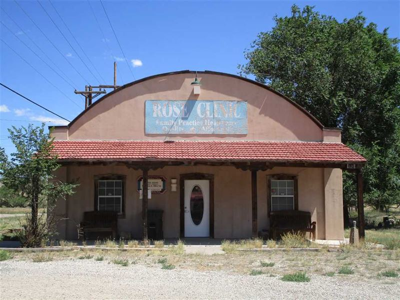 Commercial Building With Highway 3 : Capitan : Lincoln County : New Mexico