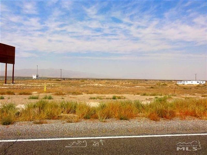 Land With Commercial Zoning : Imlay : Pershing County : Nevada